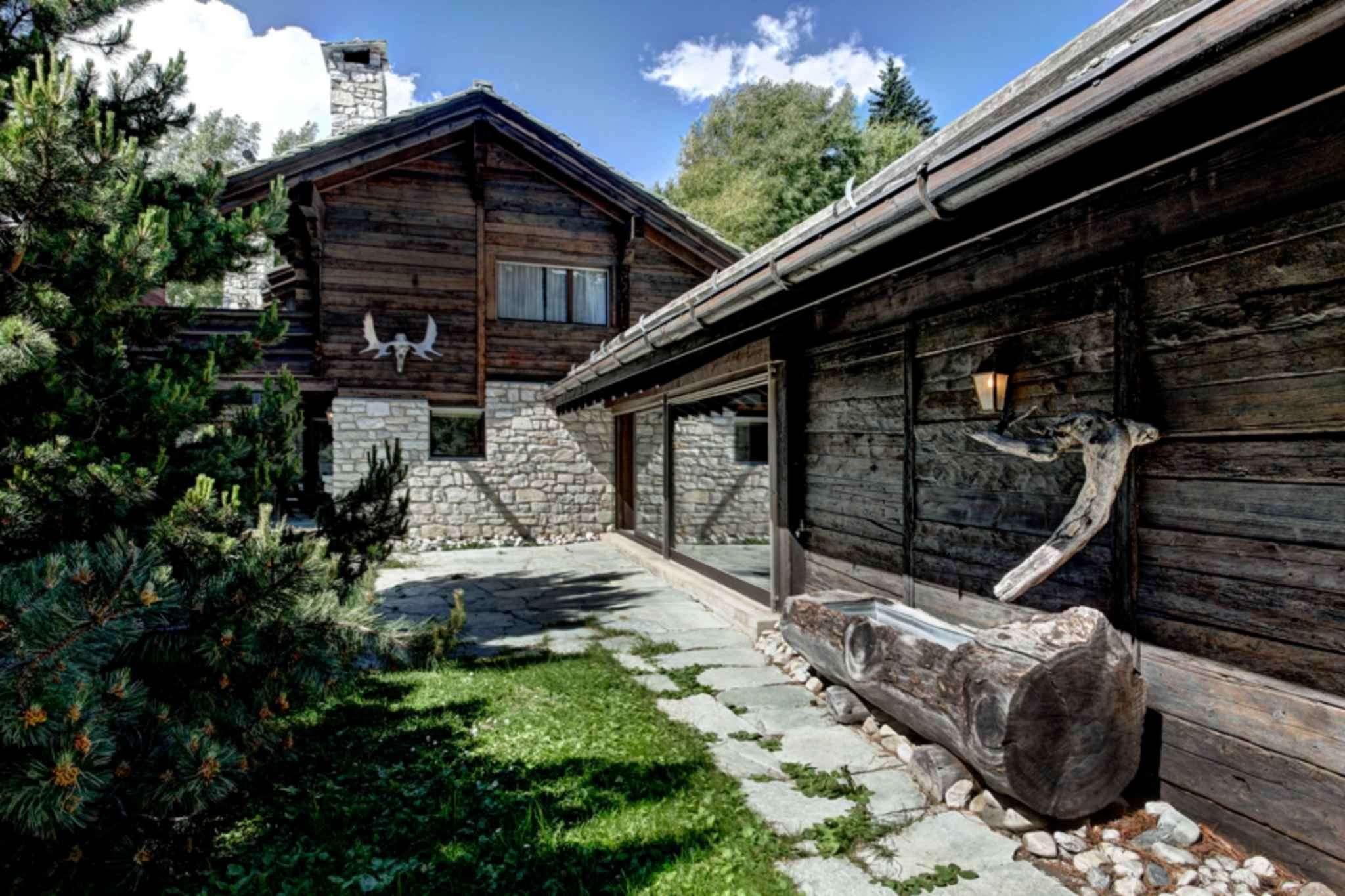 House 10 rooms 456m² Chalais