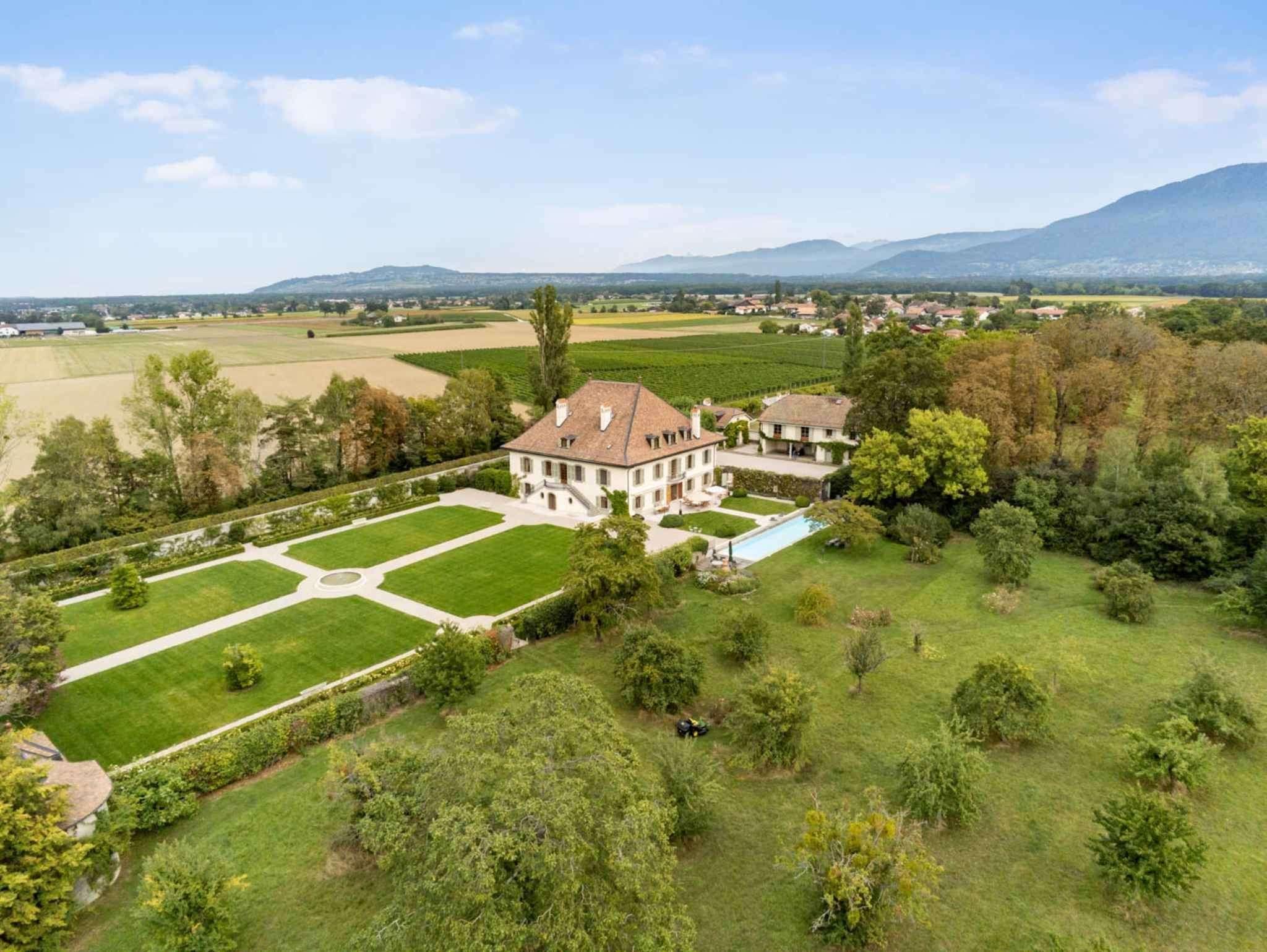 The Merlinge Estate