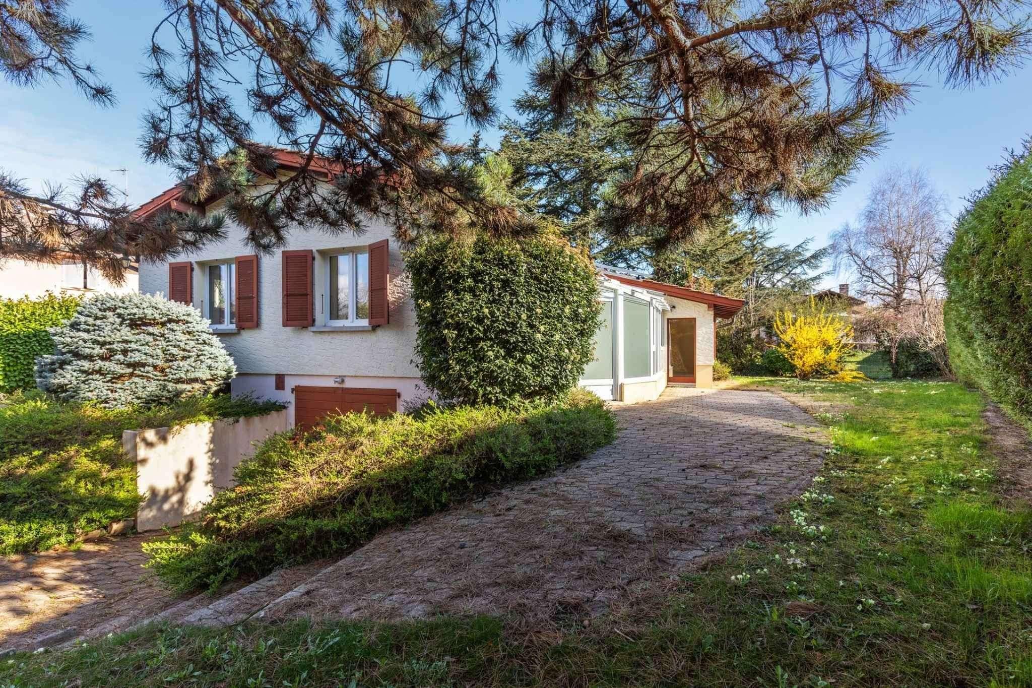 House 7 rooms 123m²  | Thônex