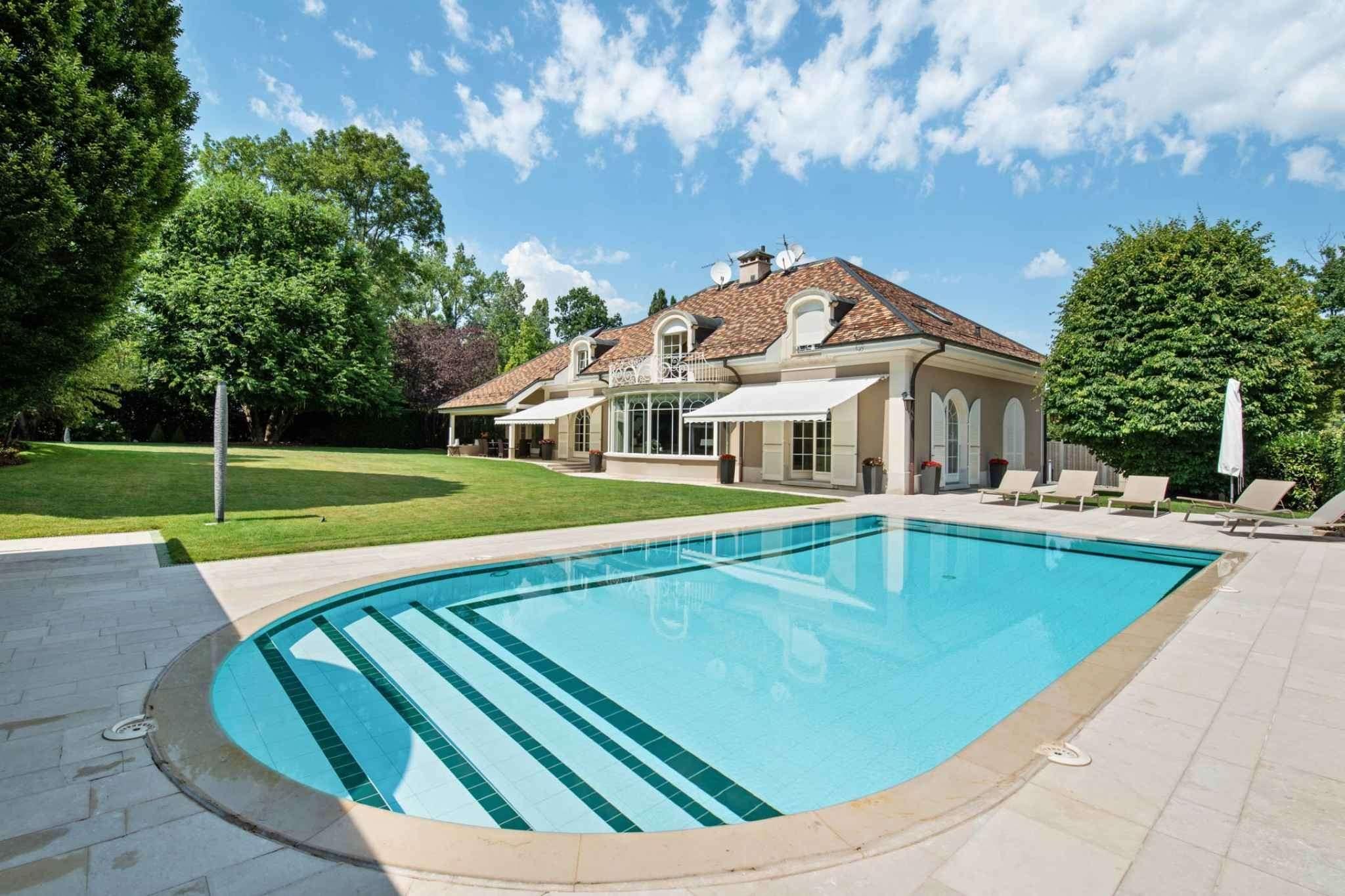 Magnificent luxury villa in heart of Vandoeuvres