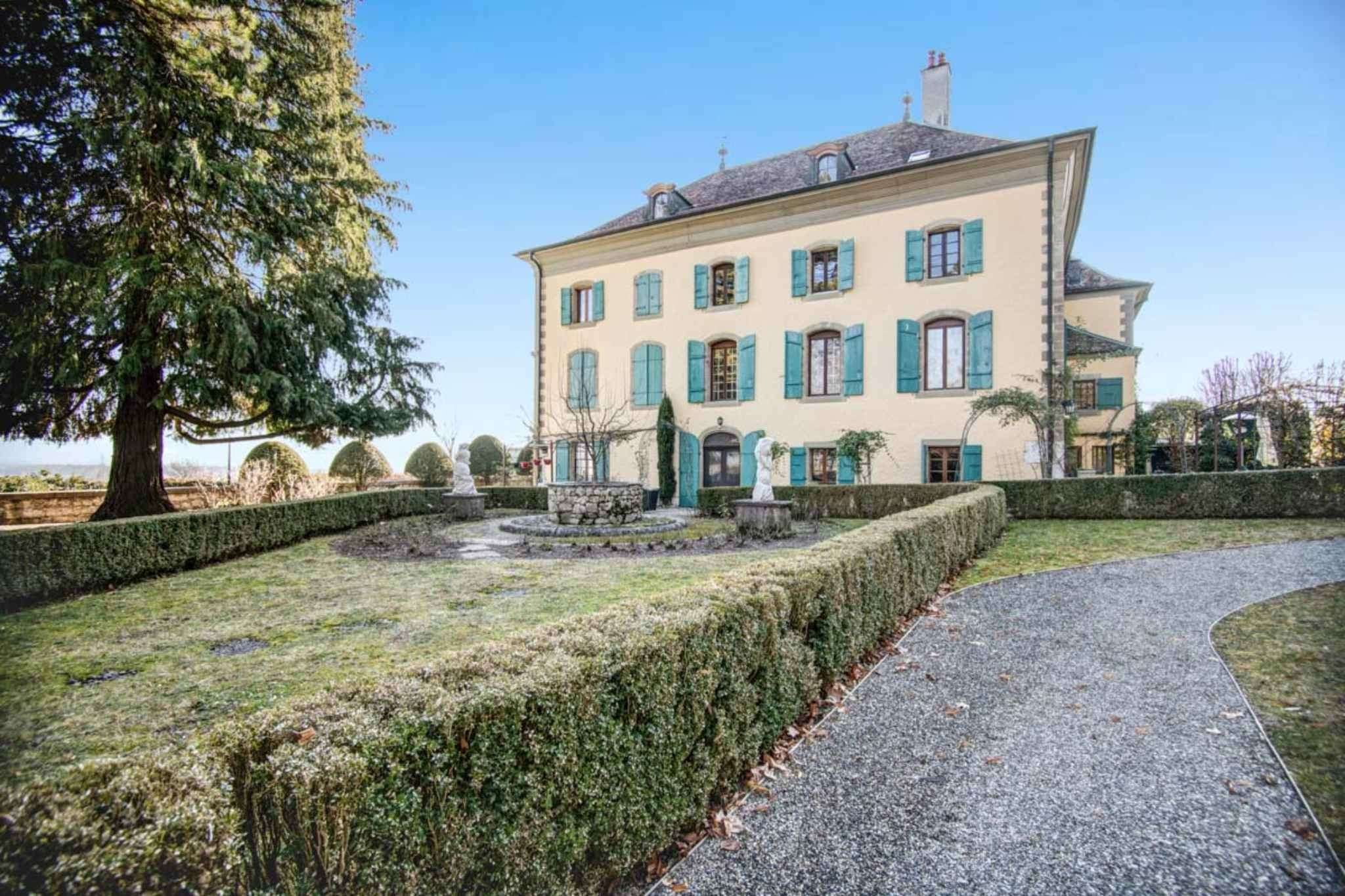 8 room apartment in the center of the Geneva vineyards