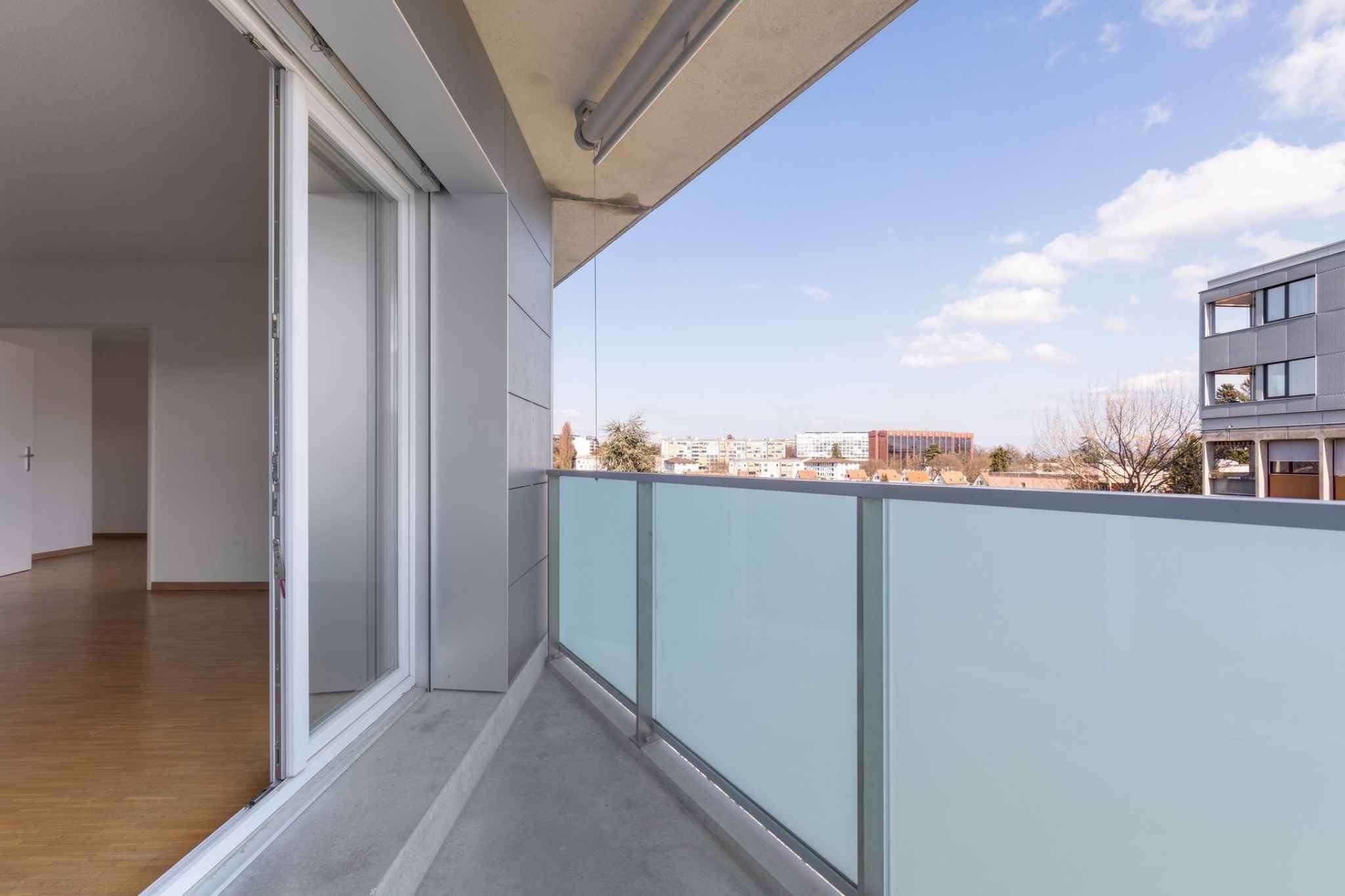 Bel appartement de 5 pièces avec balcon